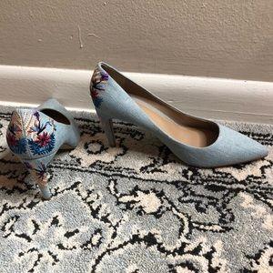 Shoes - Denim floral pumps
